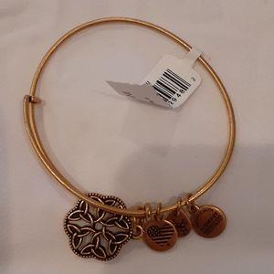 Alex & Annie bracelet NWOT
